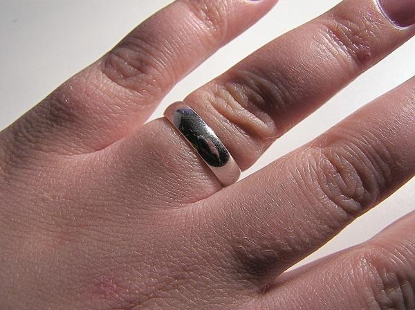 Fabulous Quelle bague de fiancaille choisir pour son futur époux ? NZ41
